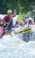 Рафтинг по горной реке в свободный день